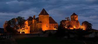 chambre d hote cluny château historique de pierreclos en bourgogne vin pouilly fuissé