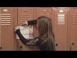 Ideas For Decorating Lockers Lockers How To Decorate A Locker For A Birthday Youtube
