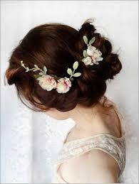 blumen haarschmuck hochzeit brautfrisuren lange haare hochzeit haarschmuck blumen