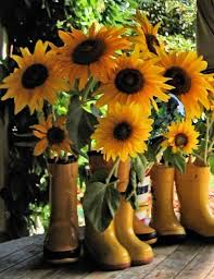 Sunflower Decorations 25 Sunny Flower Arrangements Making Great Yard Decorations And
