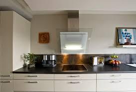 cuisine couleur vanille mise en scène d exception pour la cuisine cuisines et bains