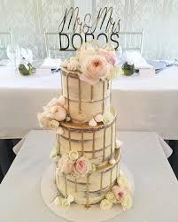 wedding cake gold wedding engagement cakes melbourne creme de la cakes
