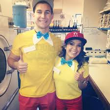 Tweedle Dee Tweedle Dum Halloween Costumes 28 Couples U0027 Halloween Costumes Totally Pull