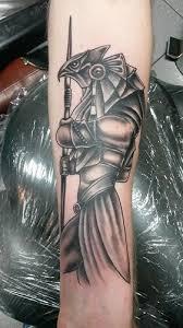 braunkohlekuh horus stargate tattoos von tattoo bewertung de
