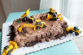 construction cake ideas construction candy cake made to be a momma