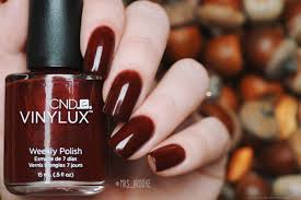 cnd vinylux nail polish apply cnd vinylux weekly polish in a