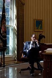 file barack obama in the oval office 2010 jpg wikimedia commons