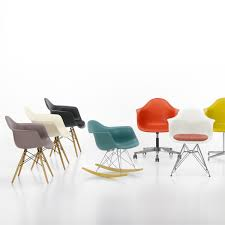 chaise eames vitra eames plastic armchair pacc by vitra