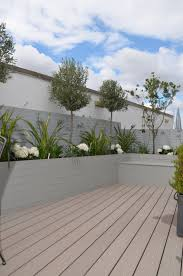 Small Trellis Planter Gardens Planters With Box Balls In Small Garden Deco Pinterest