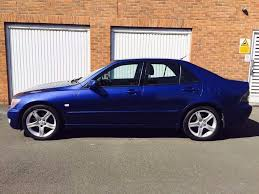 lexus is 220d for sale in yorkshire 2002 lexus is200 2 0 petrol sport sunroof htd seats not avensis