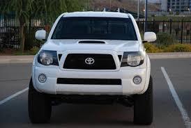 toyota trucks emblem blackout the front grille toyota emblem tacoma