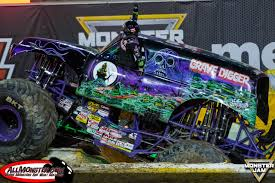 monster trucks grave digger monster jam world finals xvii photos saturday freestyle