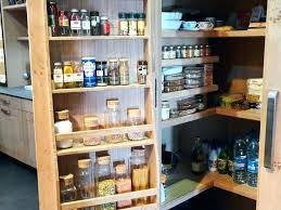 ranger placard cuisine rangement pour cellier cuisine atelier cuisine massif placard
