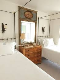 Cottage Bedroom Furniture by Twin Beds In Mountain Bedroom Setting At Rusticks Cashiers Nc
