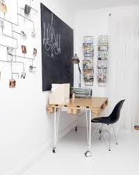 tableau bureau design interieur table bureau bois roulettes tableau noir table