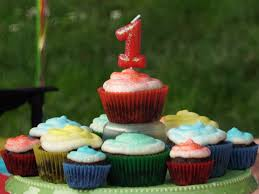 babys birthday 5 tips for your baby s birthday party babycenter