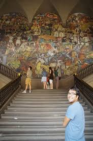 walking around mexico city 1 the historic center mexico la in this fresco in front of us rivera magnificently depicted the key moments of mexico s history