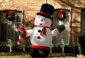Outdoor Hanging Christmas Decorations 3 Outdoor Christmas Decorating Ideas That Don U0027t Involve Hanging
