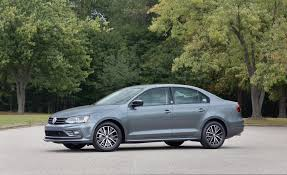 2018 volkswagen jetta pictures photo gallery car and driver