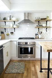 cuisine carrelage metro carrelage blanc cuisine le carrelage mactro blanc fait fureur dans
