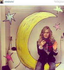 Bathroom Mirror Selfies by Woman Draws Most Creative Mirror Selfies Ever Daily Star