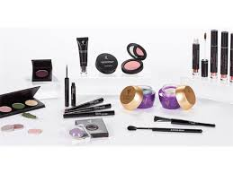 Professional Makeup Artist Chair Professional Makeup Artist And Stylist Marilyn Opitz Visits Madame