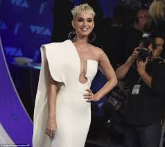 Wildfire Song Mtv by Vmas 2017 Katy Perry Dons Strapless Gown At Mtv Party Daily