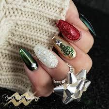 tis the season to be sparkly christmas nail art