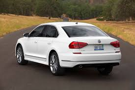 volkswagen passat r line 2016 volkswagen passat 7 things you need to know autoguide com news