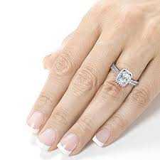 Wedding Ring Finger by What Hand Does An Wedding Ring Go On What Hand Does An Engagement