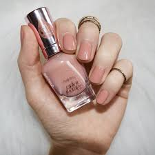 review sally hansen color therapy in blushed petal
