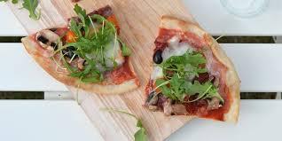 cuisine napolitaine pizza veggie napolitaine sans gluten recettes femme actuelle