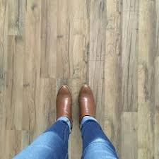 Kitchen Flooring Lowes by Tavern Oak Laminate Flooring From Lowes Flooring Ideas