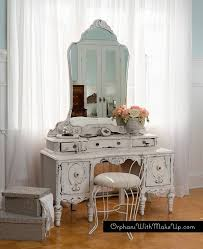 Antique Makeup Vanity Table Best 25 Antique Makeup Vanities Ideas On Pinterest Vintage