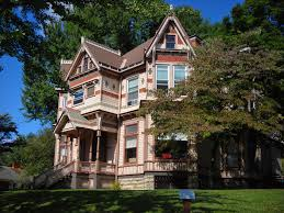 victorian wanna be historic homes tour in louisiana mo