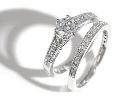 Engagement Ring Vs Wedding Ring by Best 25 Wedding Ring Etiquette Ideas On Pinterest Wedding Band