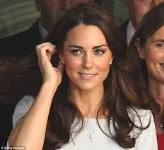kate middleton diamond earrings a gift from william duchess kate dazzles in 1 900 gold drop