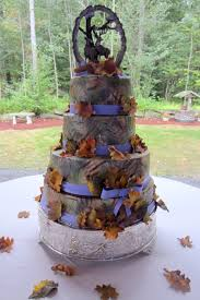 buck and doe cake topper camo purple and fall leaves wedding cake with buck and doe
