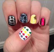 80s fashion finger candy