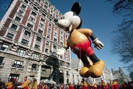 mickey mouse balloon in macy s thanksgiving day parade itats