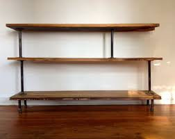Building Wooden Bookshelves by Best 25 Pipe Bookshelf Ideas On Pinterest Diy Industrial