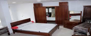 chambre à coucher chêtre awesome chambre a coucher en bois moderne algerie images design