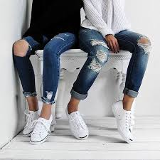 Skinny Jeans And Converse Twinning In Converse And Destroyed Skinny Jeans With Our Bestie