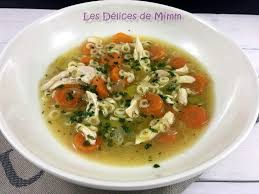 cuisiner les restes de poulet roti soupe de poulet avec un reste de poulet rôti les délices de mimm