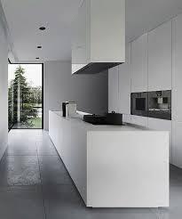 cuisine minimaliste design hotte de cuisine design impressionnant pin by céline dufresne on