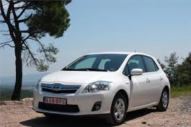 toyota auris hybrid 2010 road test road tests honest john
