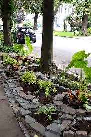 Backyard Flower Gardens by Best 10 Rock Flower Beds Ideas On Pinterest Landscape Stone