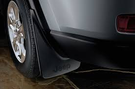 jeep cherokee accessories 2014 jeep grand cherokee receives over 100 mopar accessories