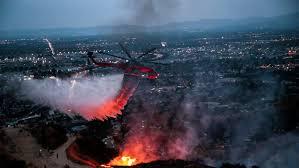 en fotos voraz incendio destruye hogares en anaheim hills