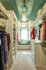33 walk in closet design ideas to find solace in master bedroom